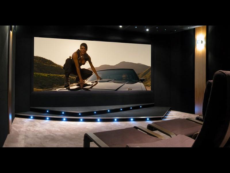 screen-excellence-vista-curve-projector-screen